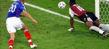 Французские футбольные клубы недовольны борьбой со свиным гриппом