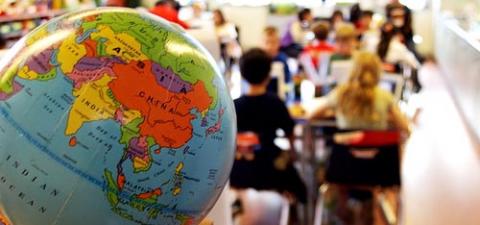 В Китае из-за «свиного» гриппа учащиеся будут больше 2 месяцев праздновать Новый год